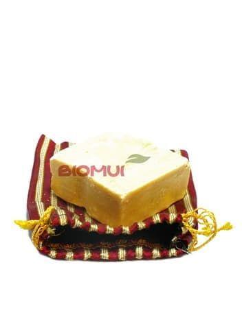 Маска - мыло для лица с пудрой и маслом сандала Ashek Albik (East Magic)