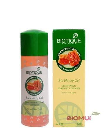 Очищающий пенящийся гель с медом Biotique