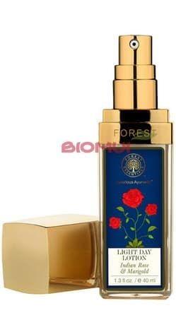 Легкий увлажняющий лосьон для лица с розой дамасской и бархатцами Forest Essentials