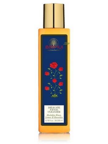 Деликатное очищающее средство с медом, лимоном и розовой водой Forest Essentials