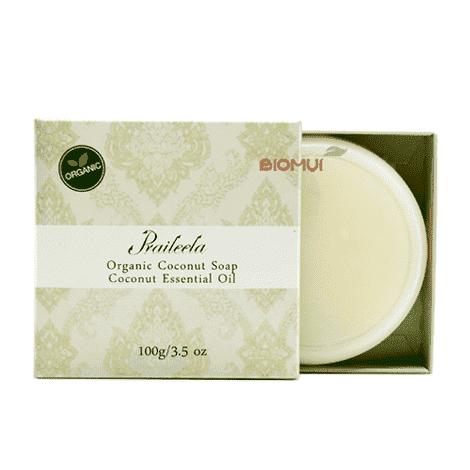Органическое мыло с кокосом PraileelaМыло<br>Не стягивает и не сушит, оставляет после себя на коже легкий аромат кокоса, а также делает кожу мягкой и бархатистой.<br>