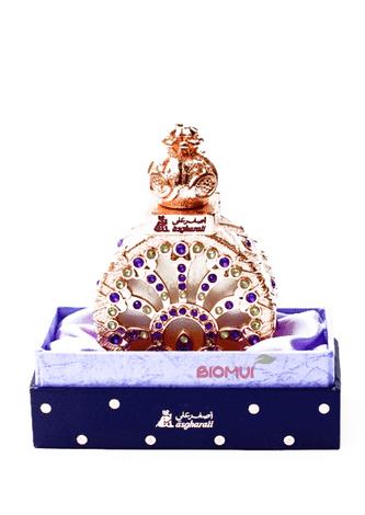 Масляные духи TazayyinЭксклюзивные духи<br>Классический, красивый и мягкий, шипрово-древесный аромат, воплощающий собой элегантность и шарм второй половины 19 века.<br>