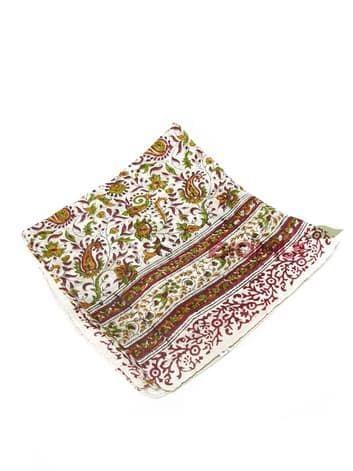 Шелковый платок с индийским узором (светло-бежевый)Платки<br><br>