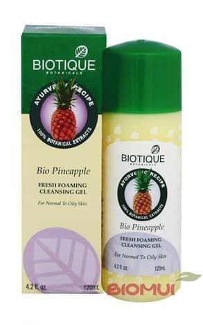 Очищающий пенящийся гель с ананасом BiotiqueОчищающее средство<br>Гель создан для ежедневного очищения нормальной и жирной кожи лица. Прекрасно растворяет различные загрязнения, глубоко очищая поры, слегка осветляет эпителий.<br>