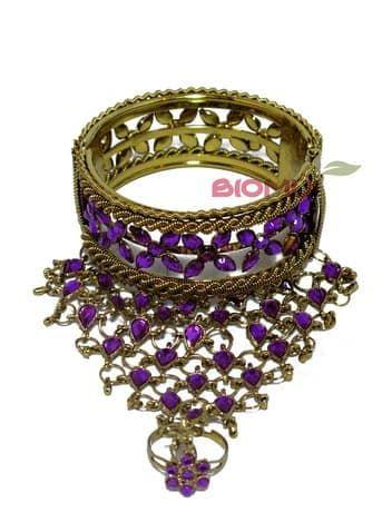 Панжа-браслет золотой с кольцом (украшен малиновыми стразами)