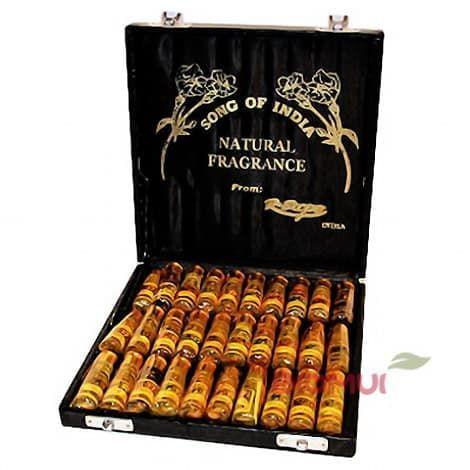 Парфюмерное масло Song of India (набор из 30-ти масел в подарочной упаковке)Аттары<br>Подарочный набор ароматного масла из 30 универсальных ароматов.<br>