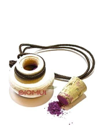 Охра рубиновая эмирская - природный натуральный пигмент SaadtiТени для век<br>Природный натуральный пигмент «Охра рубиновая эмирская» имеет царственный, красно-фиолетовый, пурпурный цвет, с искрящимися вкраплениями.<br>